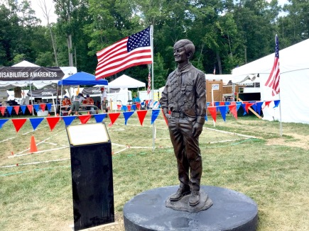 Stephen Marriott statue in front of dAC at 2017 Jamboree